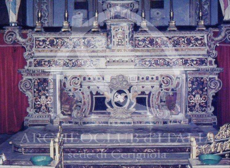 IL MONUMENTALE ALTARE MAGGIORE (SEC. XVII) NELLA CHIESA DEL PURGATORIO (SEC. XVI)