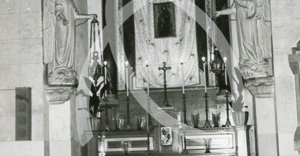 """NELLA CATTEDRALE """"SAN PIETRO APOSTOLO"""" – DUOMO """"TONTI"""" (SECC.XIX-XX) L'EX ALTARE DEDICATO ALLA VERGINE SS.MA DI RIPALTA, PROTETTRICE DI CERIGNOLA, RIMOSSO NEI LAVORI DI RESTAURO (1983)"""